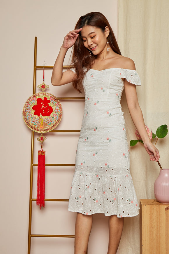 EMBROIDERY TWO WAY EYELET DRESS