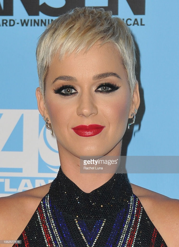 Katy Perry in Kavant & Sharart Ziggy Earrings