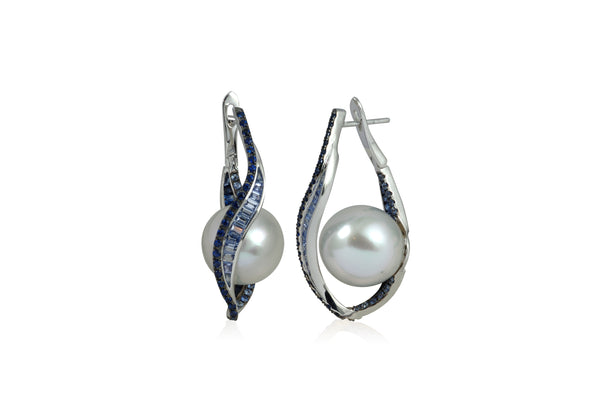 Talay Wave Twist Pearl Hoop Earrings (medium)