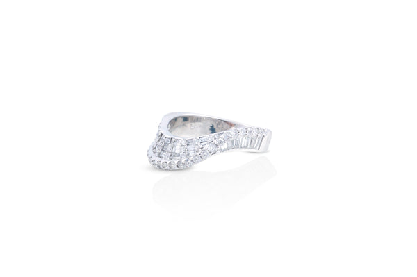 Talay Wave II Diamond Ring