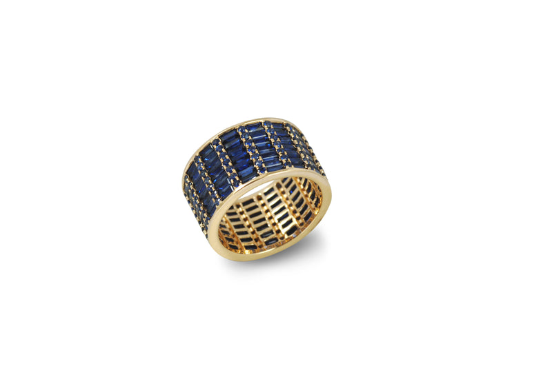 Classic Blue Sapphire Cigar 7 Ring set in Yellow Gold