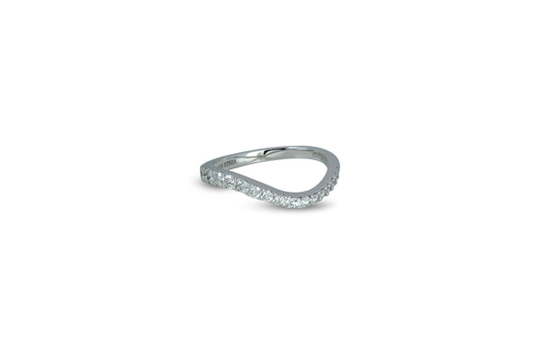 Talay Skinny Flow Wave Ring in Pave Diamond