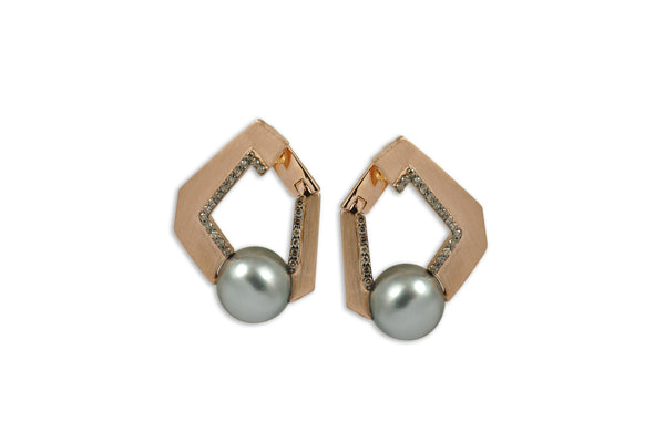 Origami Link no 5 Pearl & Diamond Earrings (Grande)