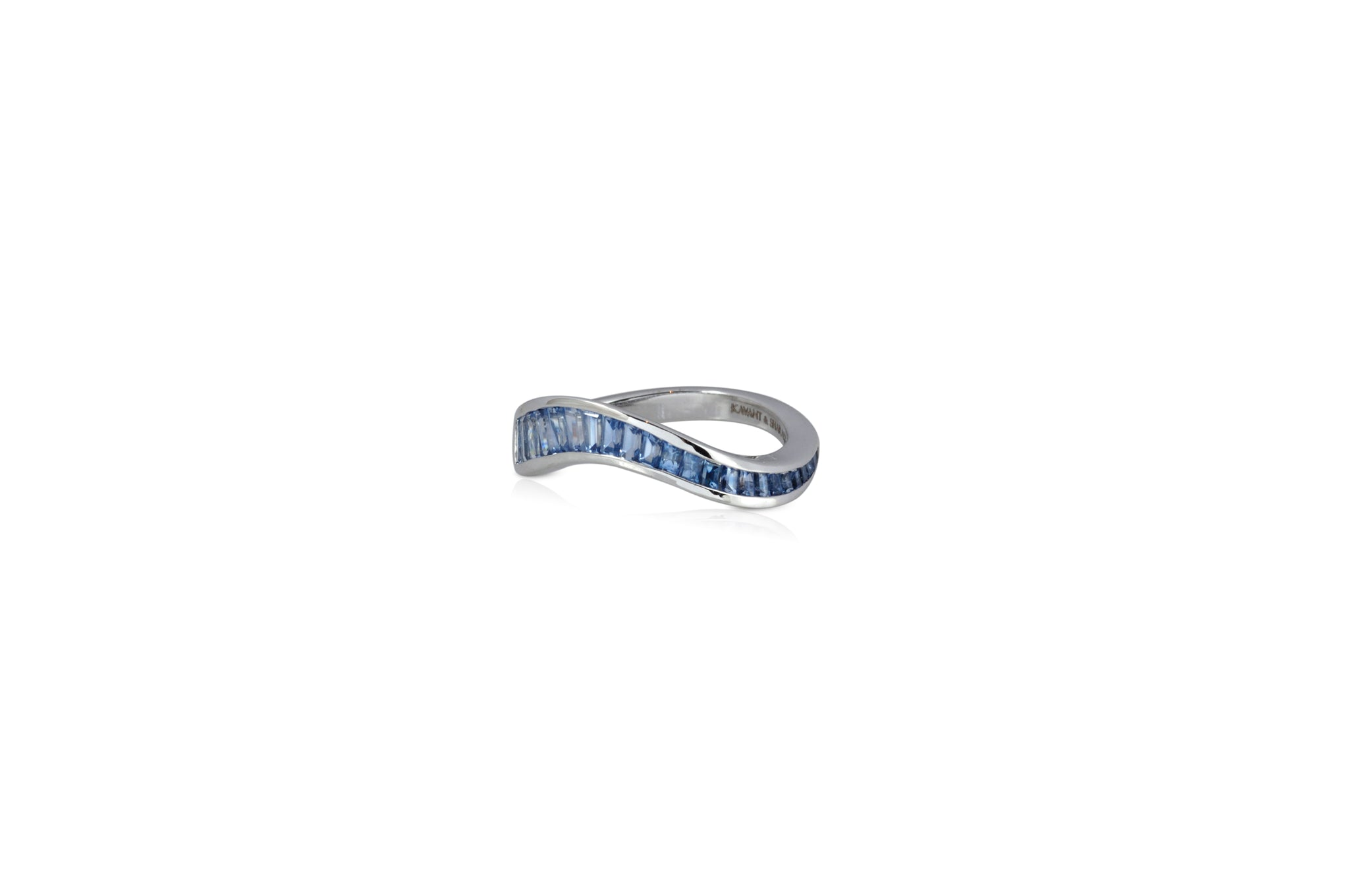 Talay Flow Wave Ring in Blue Sapphire