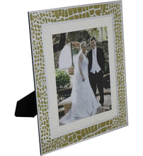 Load image into Gallery viewer, Golden Safari Photo Frame Set 12x10