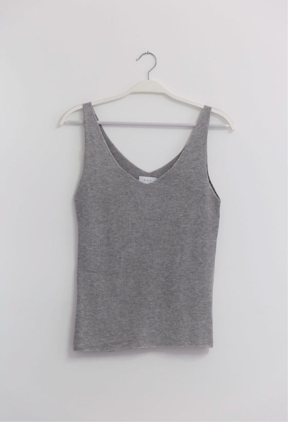 KNIT TOP GRAY
