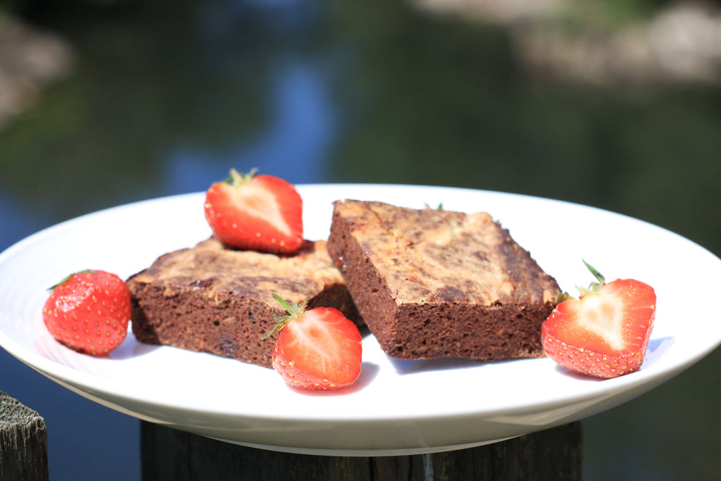 low calorie strawberries and cream brownies