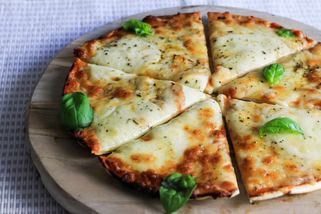 Low carb cheese pizza