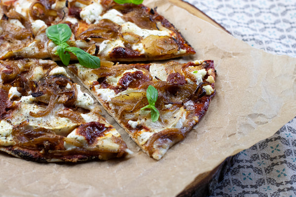 Low calorie goat's cheese pizza