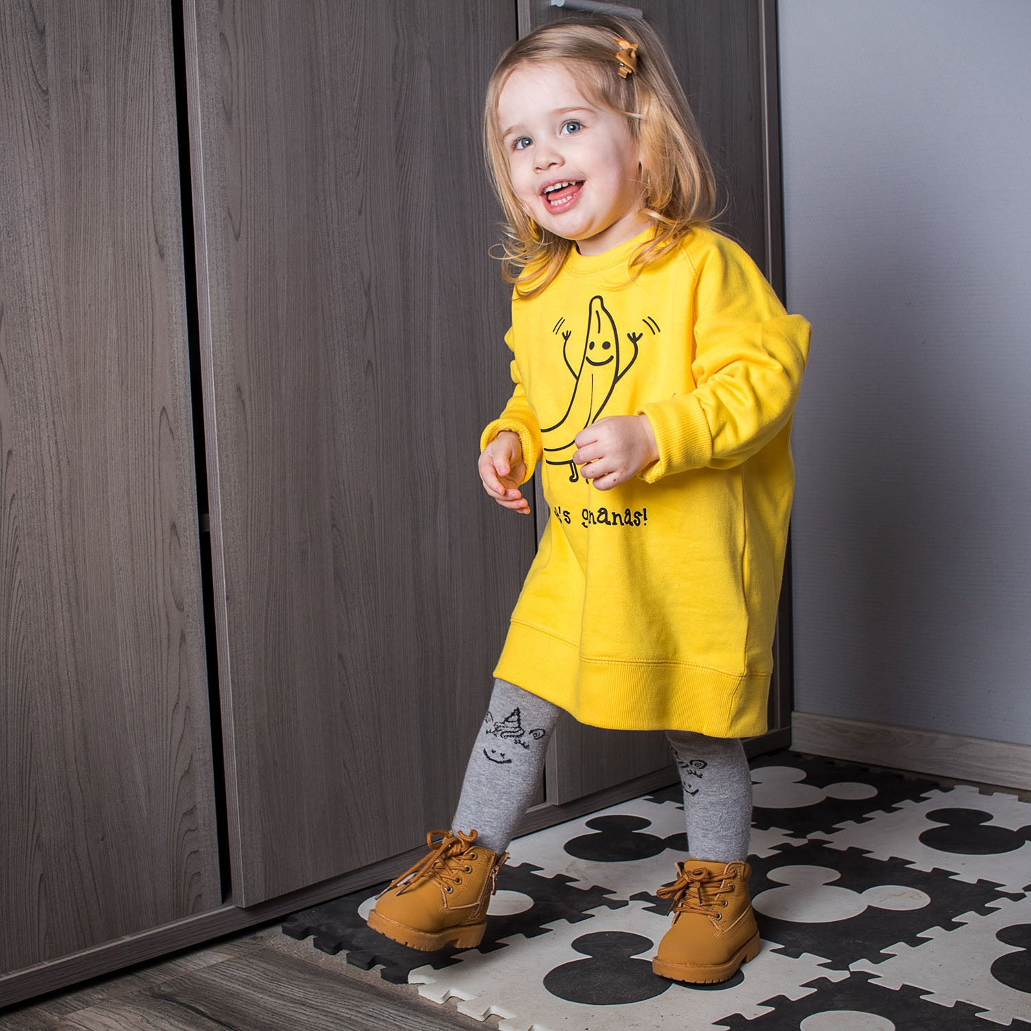 'Let's go bananas' kids sweater