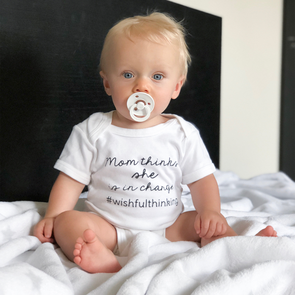 'Mom thinks she is in charge' baby shortsleeve bodysuit