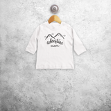 'Adventure awaits' baby shirt met lange mouwen