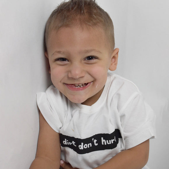 'Dirt don't hurt' kids shortsleeve shirt