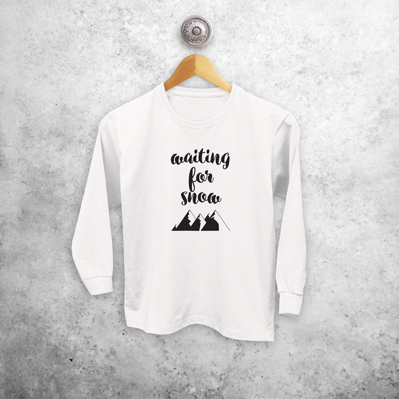 Kids shirt with long sleeves, with 'Waiting for snow' print by KMLeon.