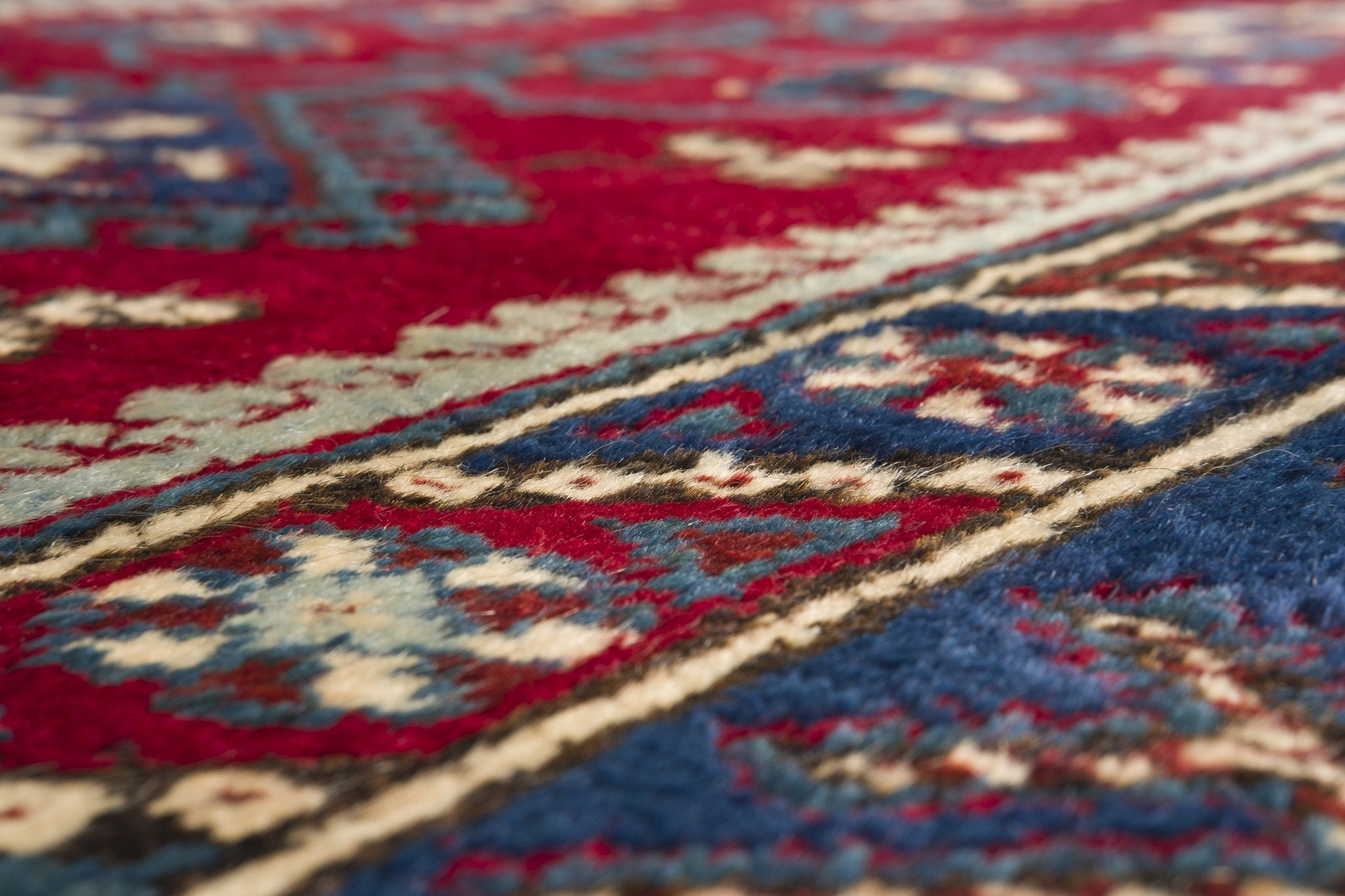 Vintage Turkish Rug Gadalia