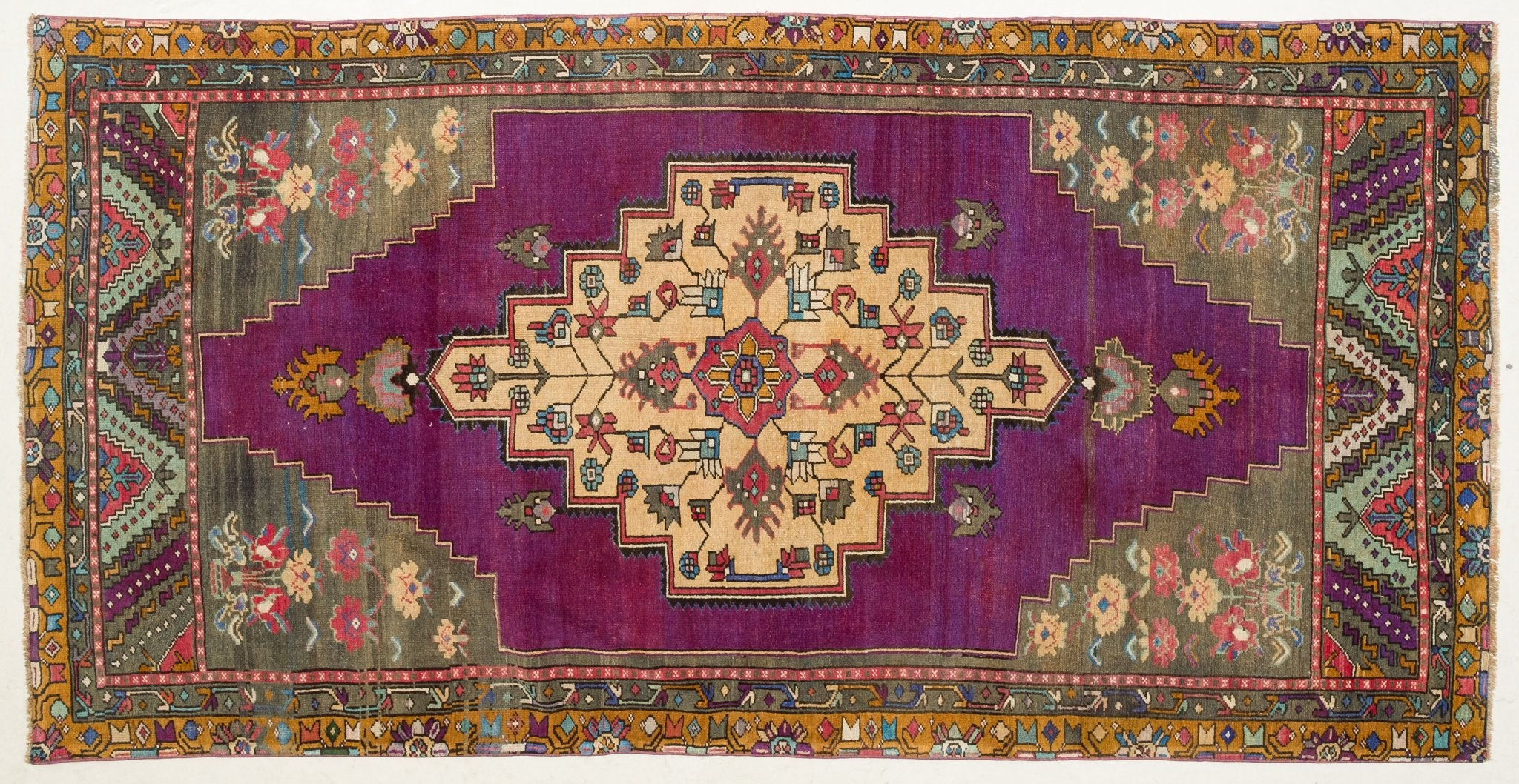 Vintage Turkish Rug Nicu