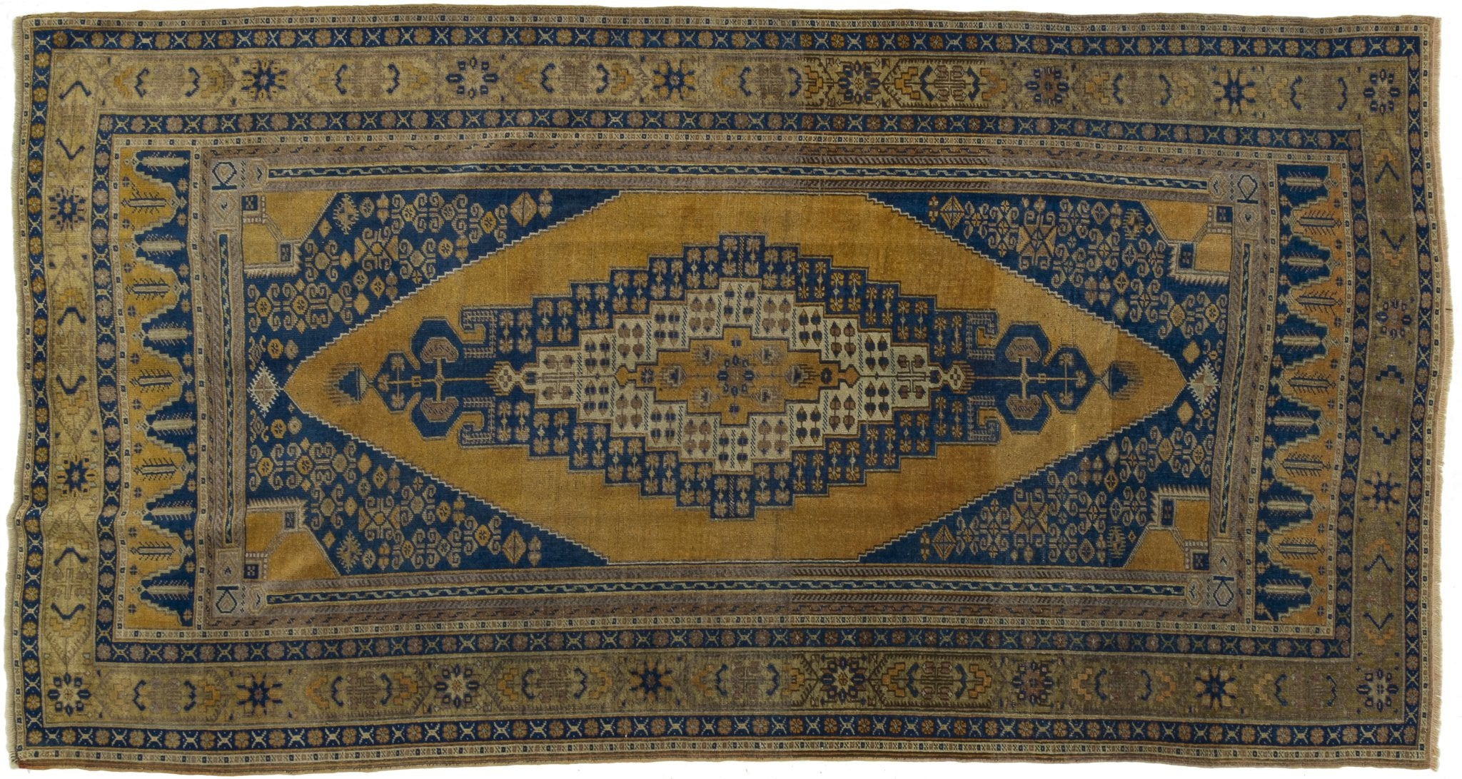 Vintage Turkish Rug Esaias