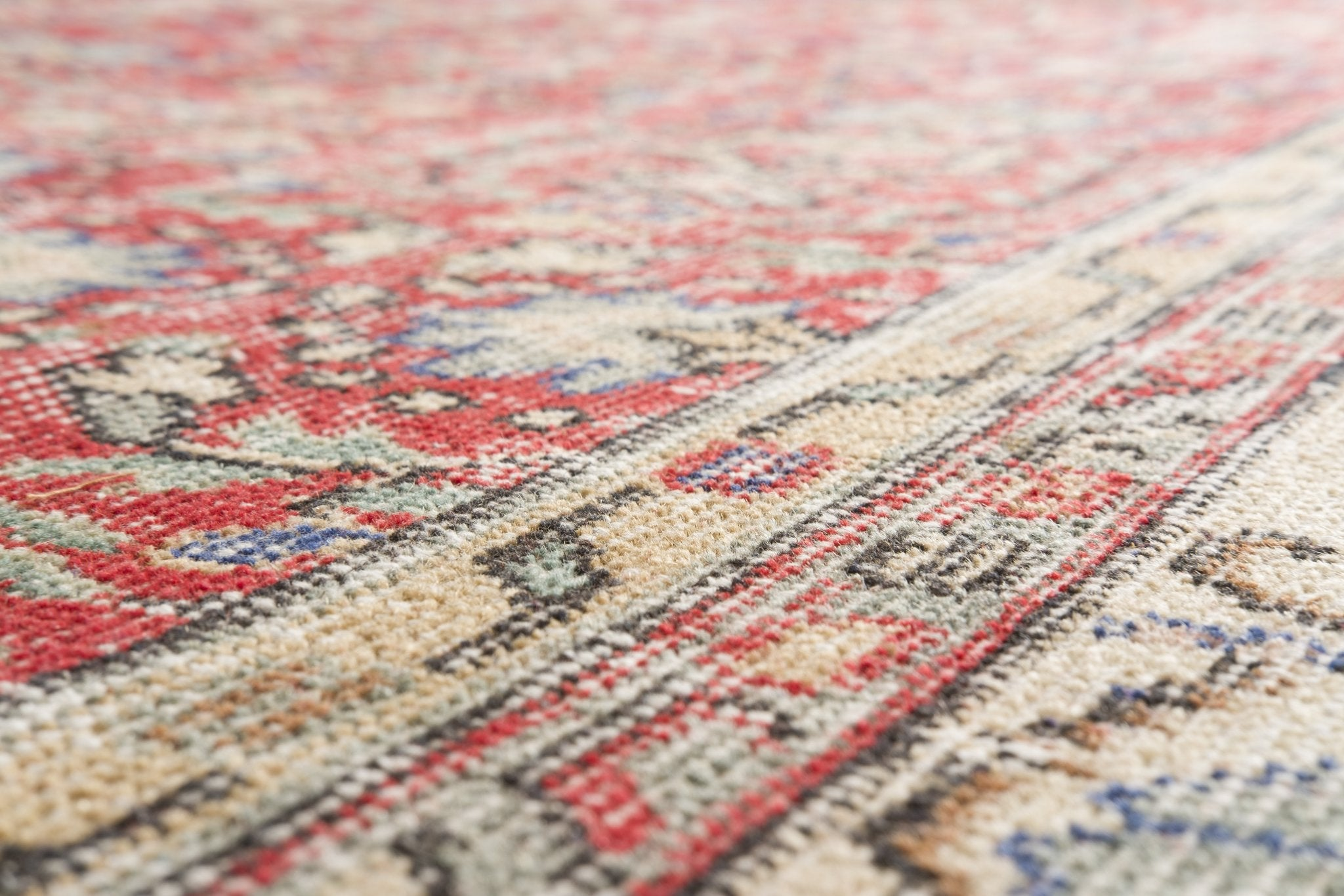 Vintage Turkish Rug Juha