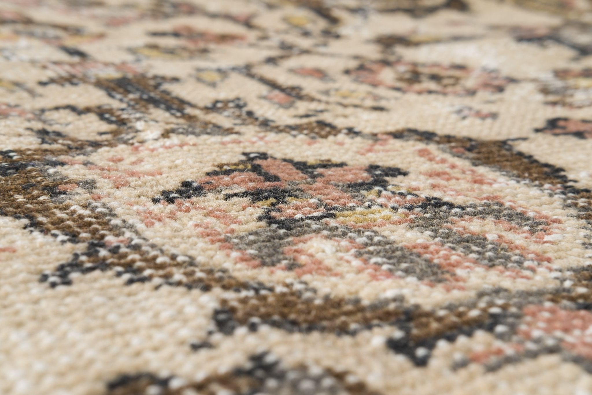 Vintage Turkish Rug Lysiane