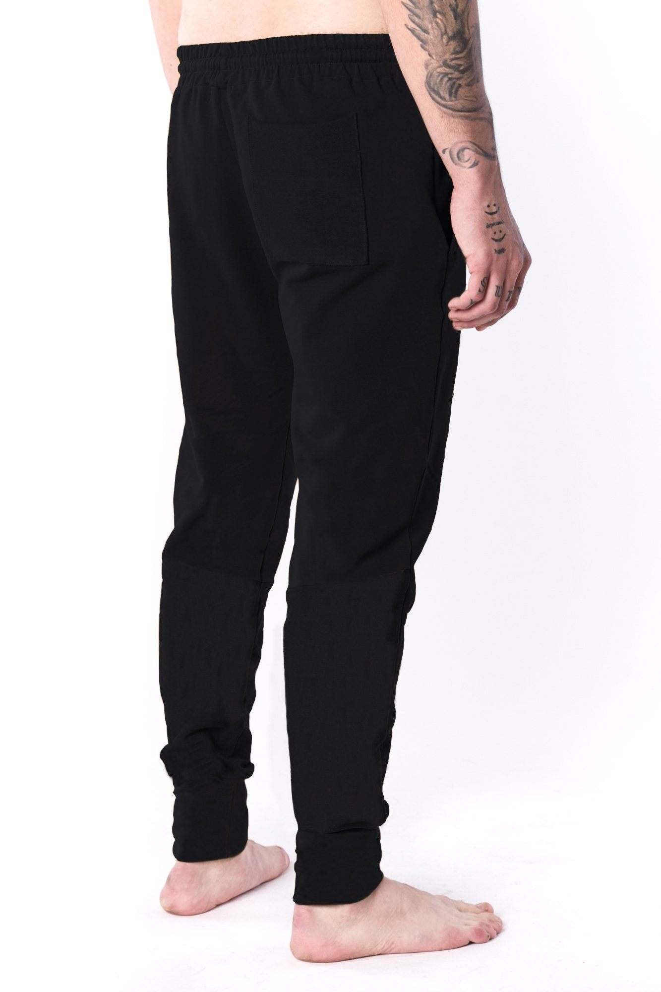 The Man Panelled Jogger 17 // black