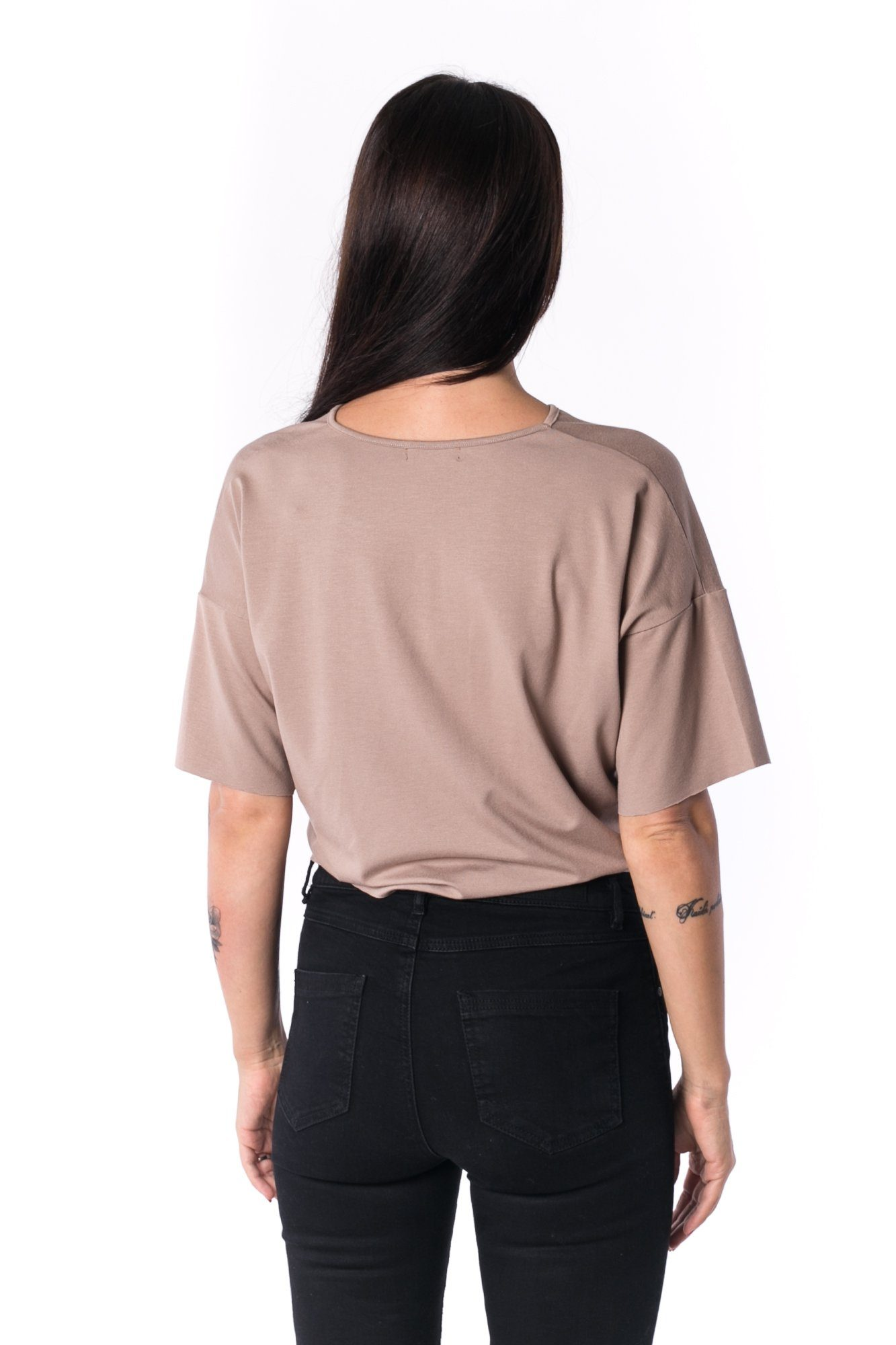 TheG Woman Panelled Oversize Crop V-Neck Tee 17 // mocca