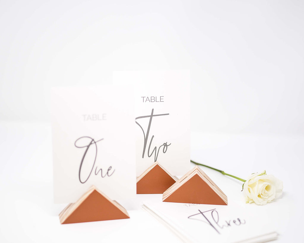 TRIANGULAR GEOMETRIC PRINT HOLDER