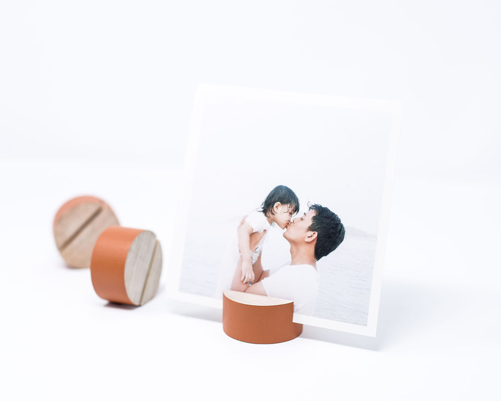 RUST ROUND GEOMETRIC PRINT HOLDER