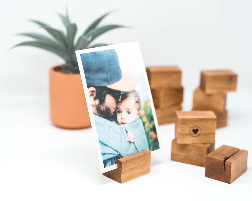 NATURAL FINISH WOODEN CARD HOLDER