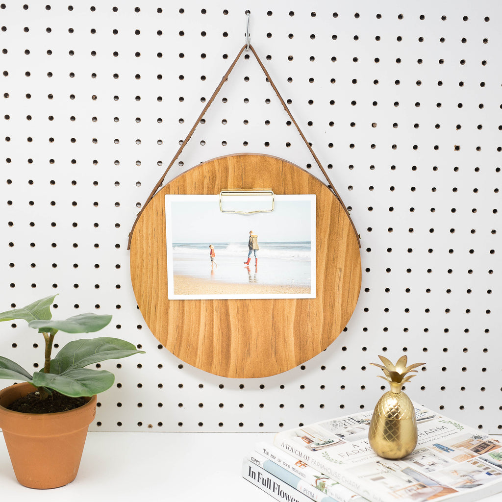 ROUND MEMO BOARD WITH NATURAL FINISH