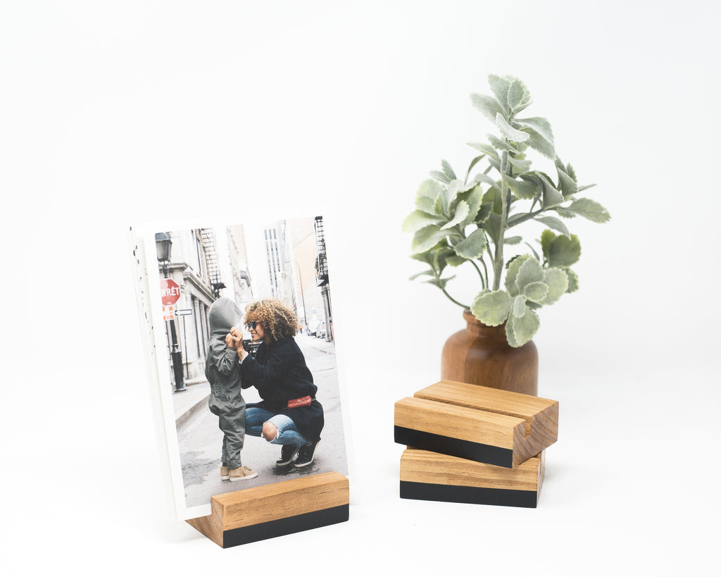 COLOR BLOCK PRINT AND CALENDAR STAND