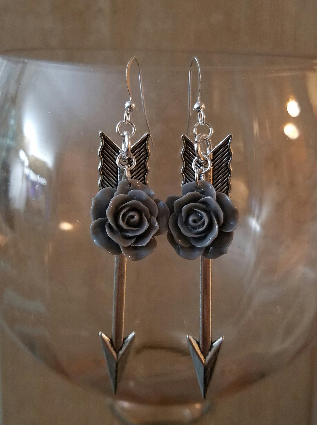 Arrow Rose Earrings - Gray