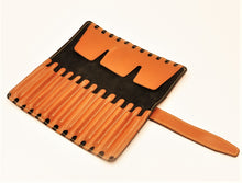 HERITAGE Leather 12-Brush Wrap