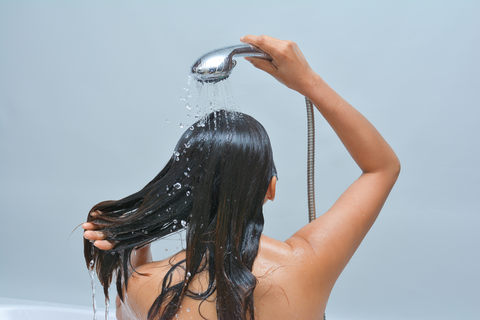 how to wash your hair with a clarifying shampoo