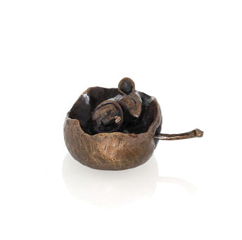 Butler & Peach Detailed Small Solid Bronze Mouse In Apple - bronzebarngallery.com