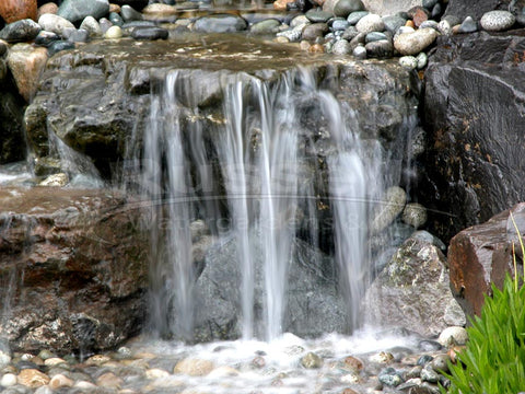 Ahi Hydro Vortex™ small waterfall filter creates beautiful waterfalls and is invisible.