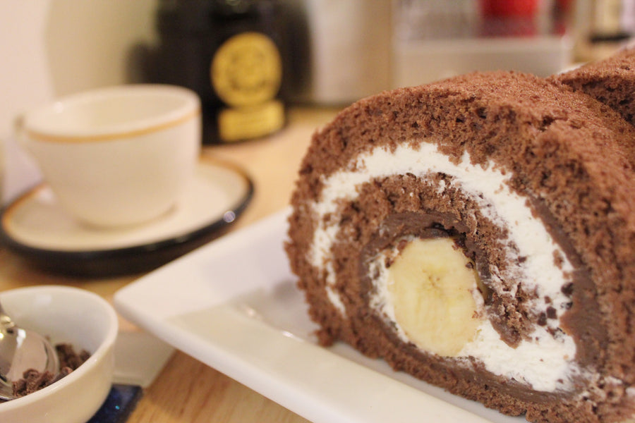 Chocolate Banana Rolled Cake<small> (18cm)</small> / <br><small><small>チョコバナナロールケーキ</small></small>