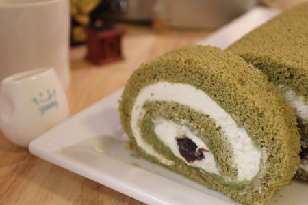 Matcha Rolled Cake <small>(18cm) </small>/ <br><small><small>小倉抹茶ロール</small></small>
