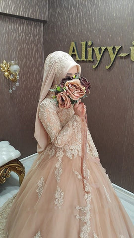 A Line Muslim Wedding Dress Lace Long Sleeve Kaftan Champagne Wedding Gown