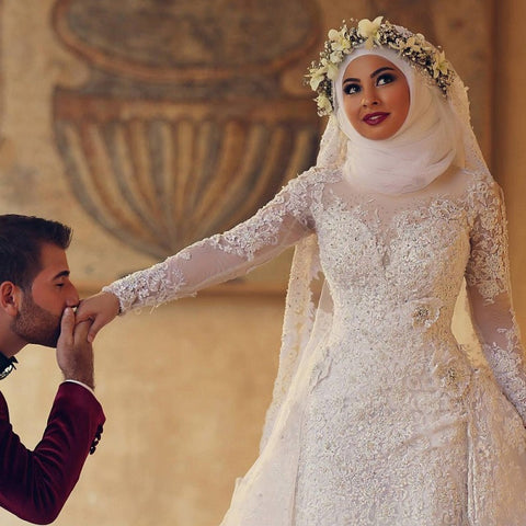 Arab Hijab Saudi Arabia Modest Muslim Wedding Dress Long Sleeves Lace Beads Over Skirt Mermaid