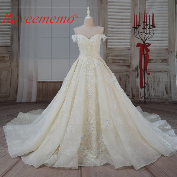 2017 hot sale high quality Luxury Wedding Dress Bridal gown custom made Royal train off the shoulder lace flower wedding gown