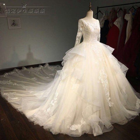 2017 New Design hot sale high quality special lace Wedding Dress Bridal gown custom made long sleeve wedding gown factory