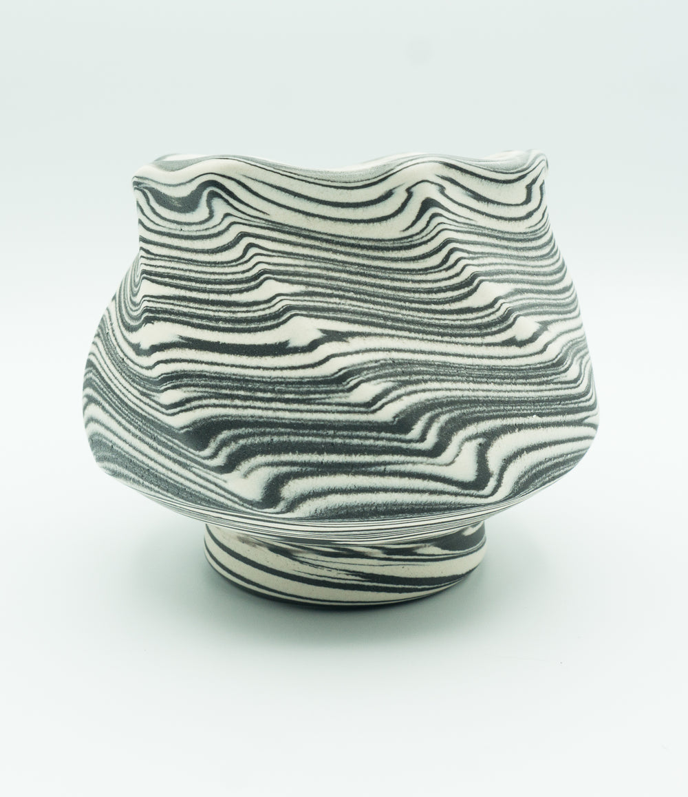 Faceted Agateware Tea Bowl in Black & White