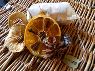 Spice bag for simmering mulled wine or mulled apple juice
