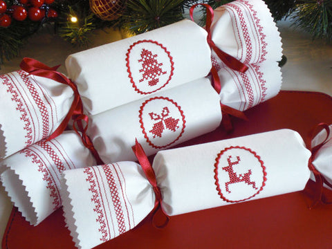 cross stitch christmas crackers - Cross Stitch Christmas Decorations