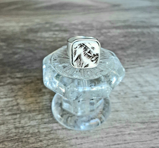 Broken China ring black/white pattern