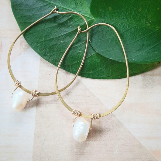 Gold teardrop with pearl earrings
