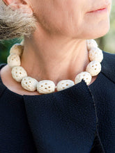 Load image into Gallery viewer, Ivory Color Bone Basket Weave Necklace