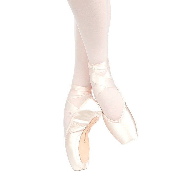 BRAVA U-CUT POINTE SHOES WITH DRAWSTRING
