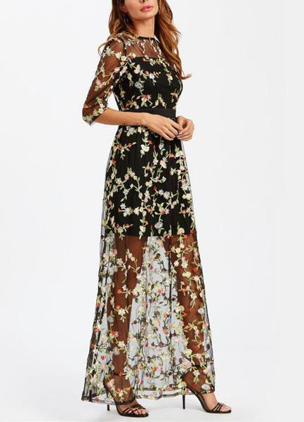 Zelda Embroidery Maxi Dress