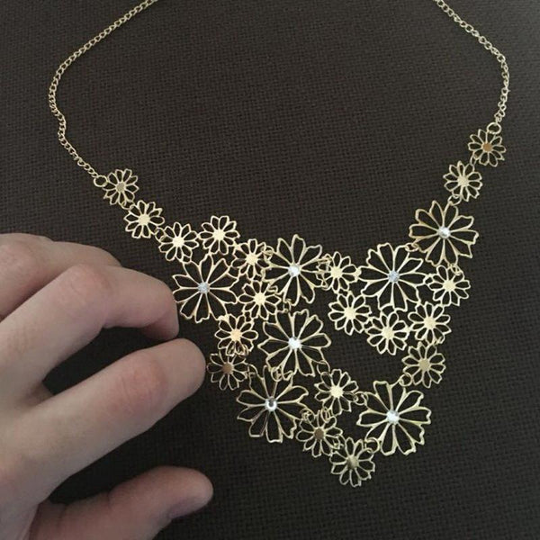 Multilayer Hollow Gold Rhinestone Flowers Necklace